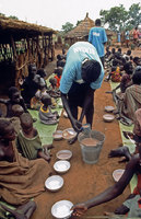 Emergency feeding in camps in Southern Sudan