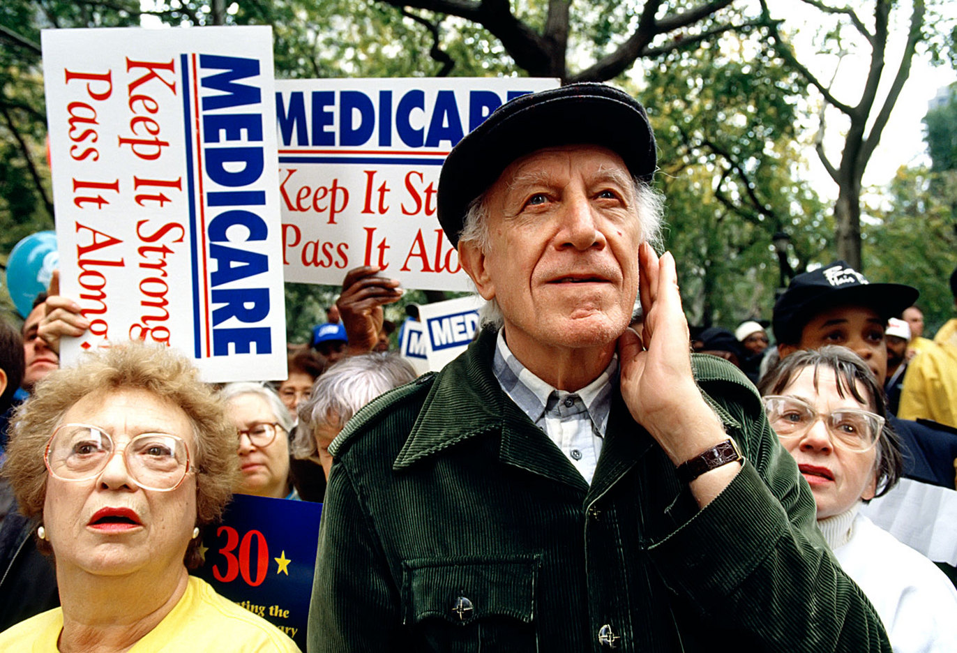 Seniors at a Keep Medicare Strong march in Washington D.C. : HEALTHCARE & MEDICAL : Viviane Moos |  Documentary Photographer