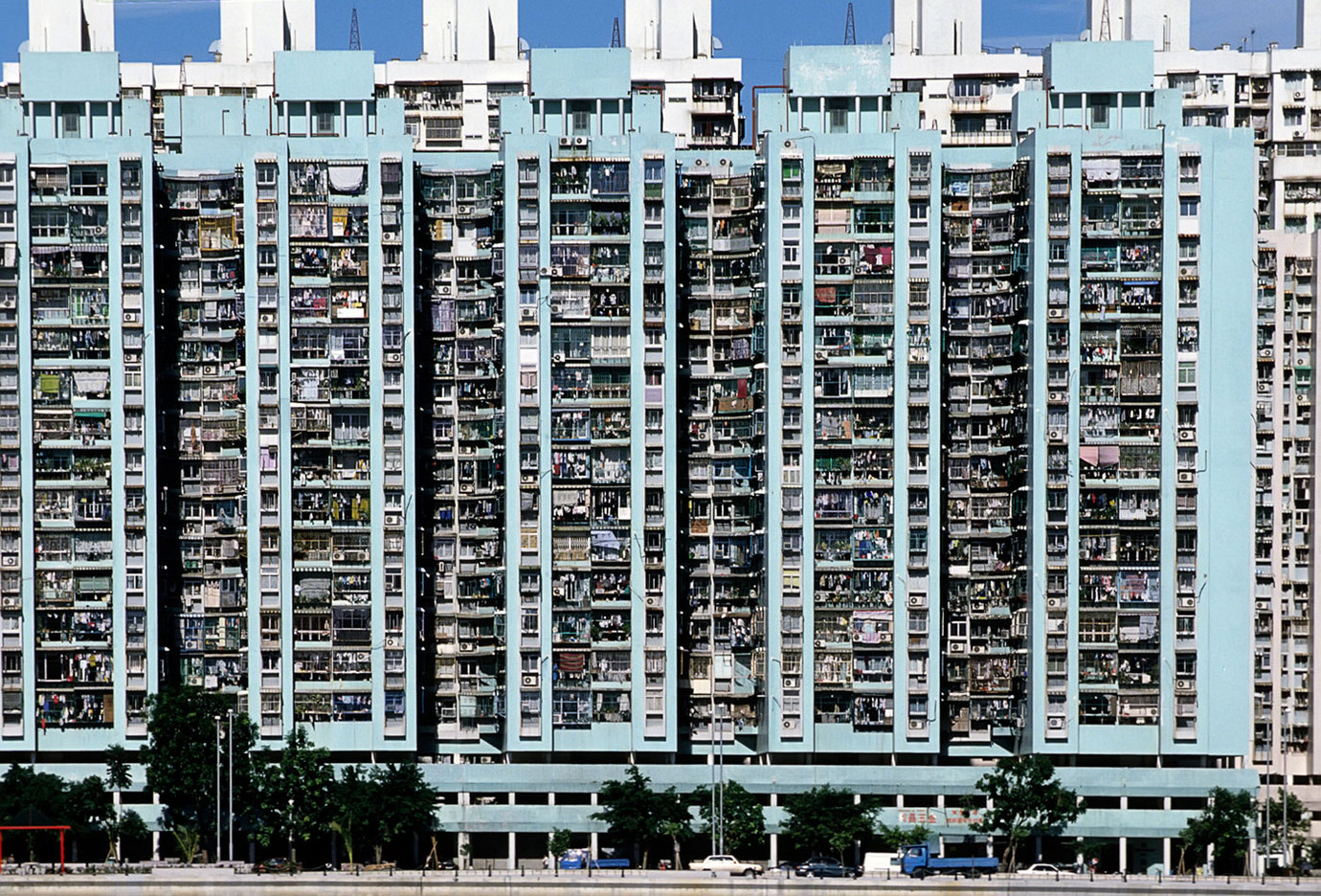 Unsustainable overpopulation in Macau, China : CRISIS : Viviane Moos |  Documentary Photographer