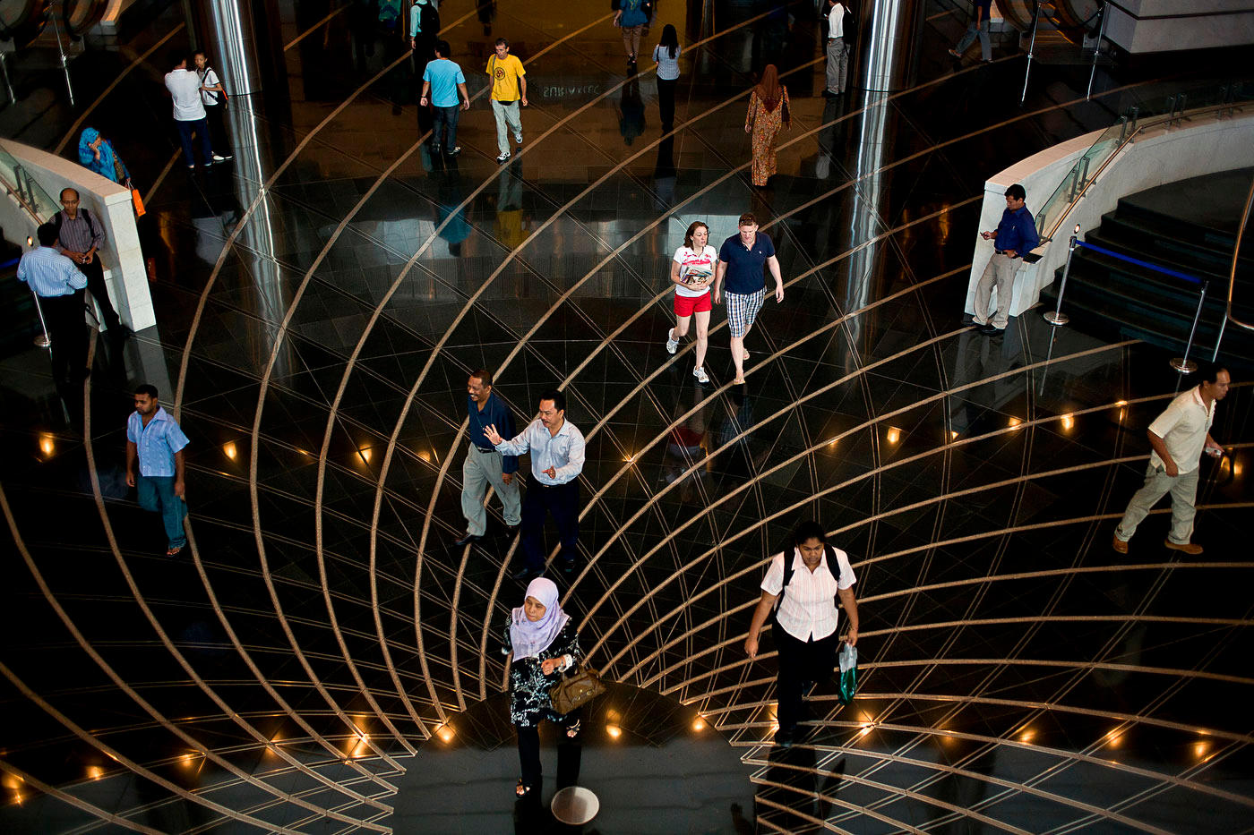 Petronas Tower lobby, Kuala Lumpur :  DAILY LIFE; The Rich, the Poor & the Others : Viviane Moos |  Documentary Photographer